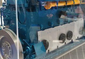 Maqueta-motor-NIIGATA-6L28AHX-con-arrancador-GALI-A47